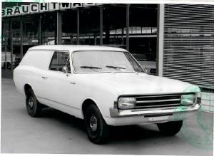 Opel Delvar mit geschlossenem Aufbau